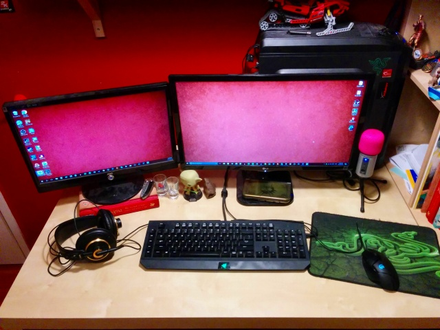 PC_Desk_MultiDisplay83_05.jpg