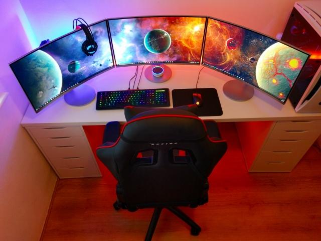 PC_Desk_MultiDisplay84_01.jpg