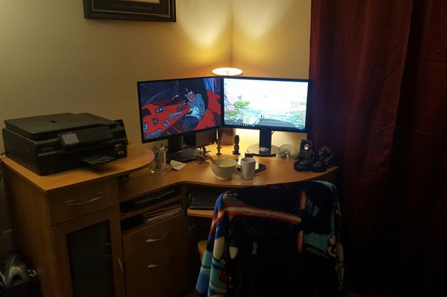 PC_Desk_MultiDisplay84_08.jpg