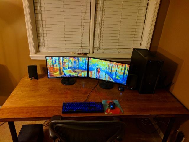 PC_Desk_MultiDisplay84_11.jpg