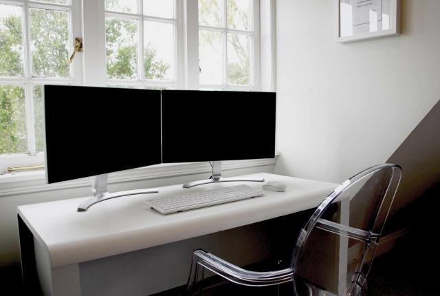 PC_Desk_MultiDisplay84_13-.jpg