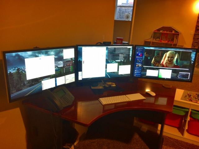 PC_Desk_MultiDisplay84_17.jpg
