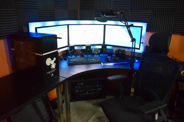 PC_Desk_MultiDisplay84_26.jpg