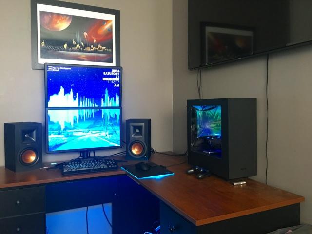 PC_Desk_MultiDisplay84_36.jpg
