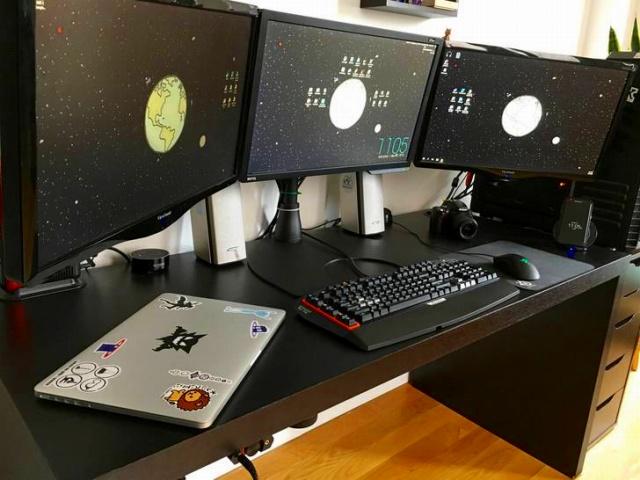 PC_Desk_MultiDisplay84_38.jpg
