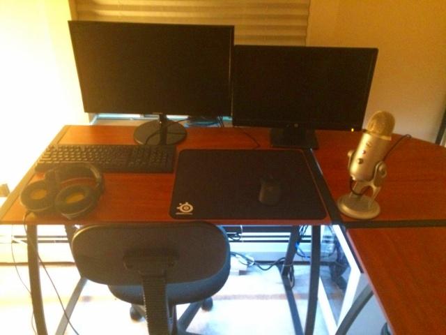 PC_Desk_MultiDisplay84_46.jpg
