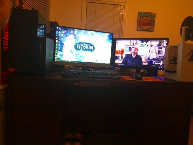 PC_Desk_MultiDisplay84_51.jpg