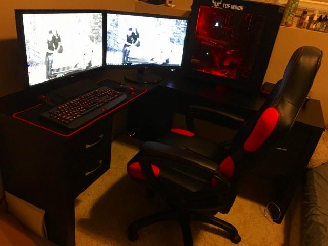 PC_Desk_MultiDisplay84_53.jpg