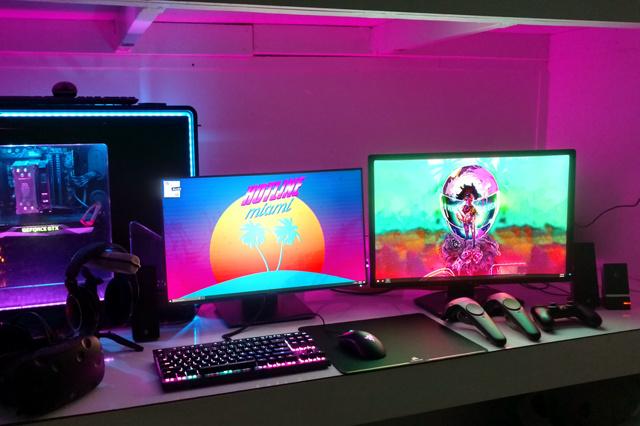 PC_Desk_MultiDisplay84_63.jpg