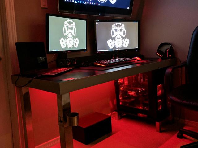 PC_Desk_MultiDisplay84_71.jpg