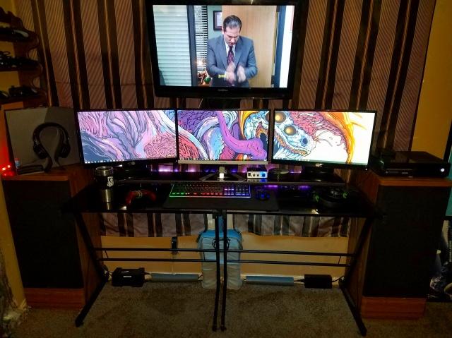 PC_Desk_MultiDisplay84_76.jpg