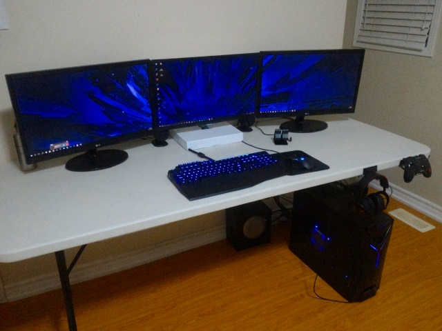 PC_Desk_MultiDisplay84_84.jpg