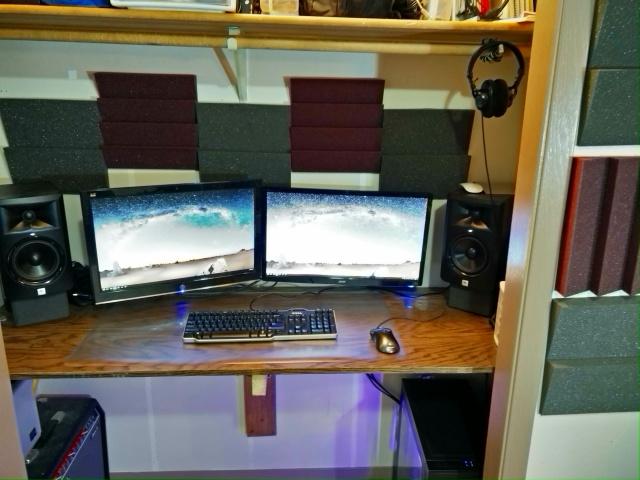 PC_Desk_MultiDisplay84_96.jpg
