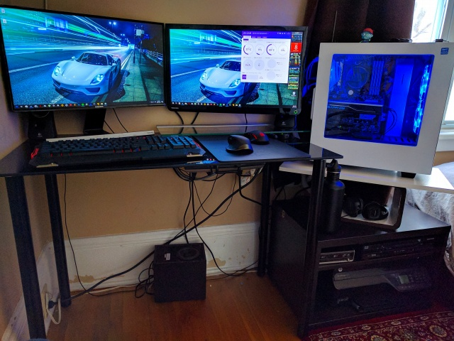 PC_Desk_MultiDisplay85_11.jpg