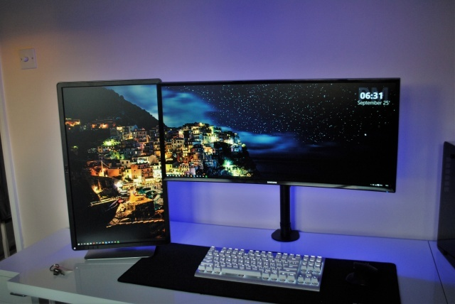 PC_Desk_UltlaWideMonitor14_60.jpg