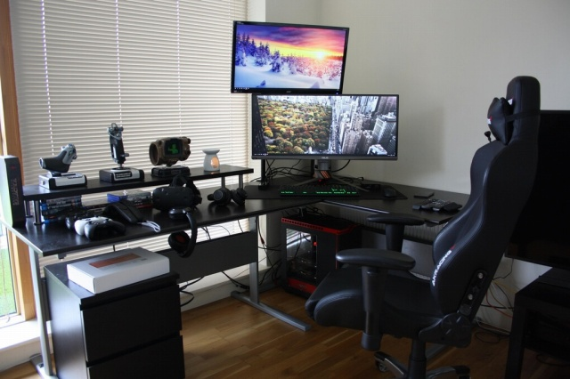 PC_Desk_UltlaWideMonitor15_53.jpg