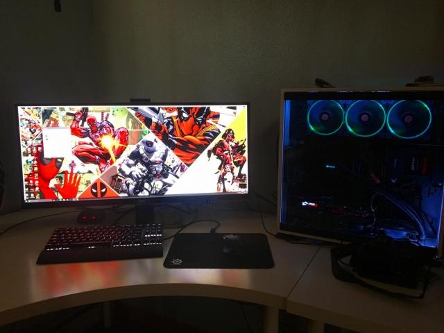 PC_Desk_UltlaWideMonitor16_04.jpg