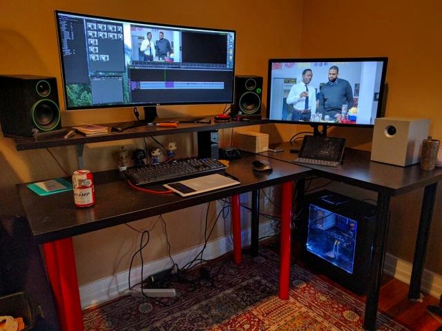 PC_Desk_UltlaWideMonitor16_09.jpg