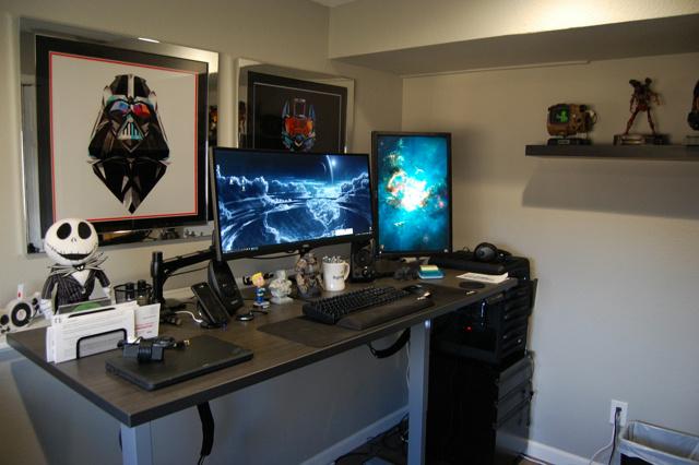 PC_Desk_UltlaWideMonitor16_12.jpg