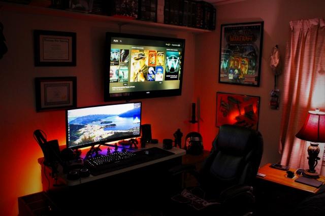 PC_Desk_UltlaWideMonitor16_47.jpg