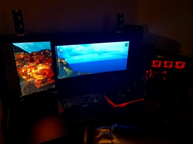 PC_Desk_UltlaWideMonitor16_56.jpg