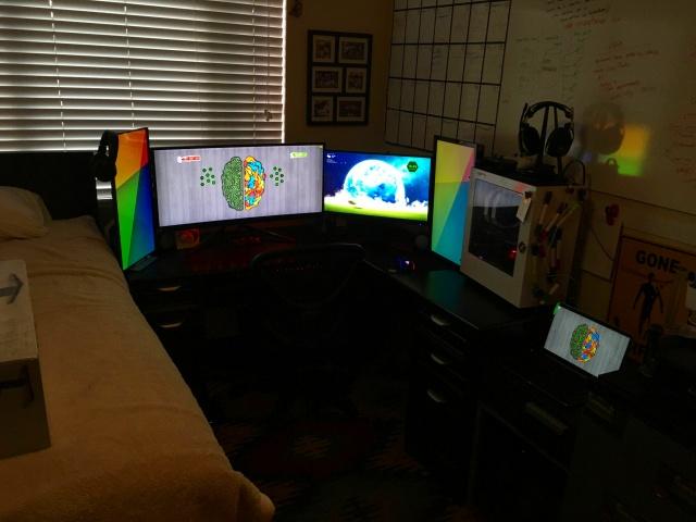 PC_Desk_UltlaWideMonitor16_57.jpg
