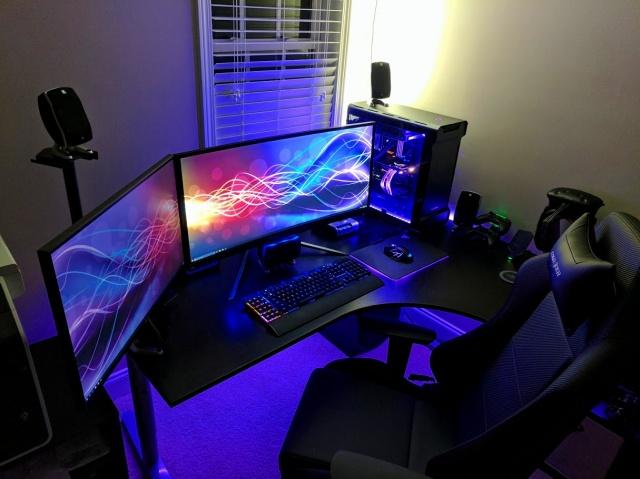 PC_Desk_UltlaWideMonitor16_80.jpg