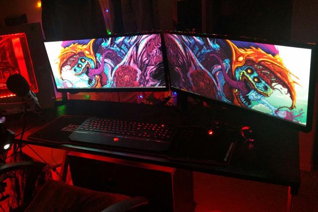 PC_Desk_UltlaWideMonitor16_85.jpg