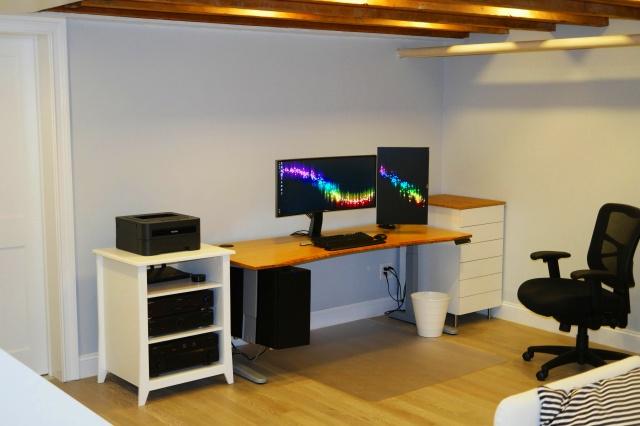 PC_Desk_UltlaWideMonitor16_92.jpg