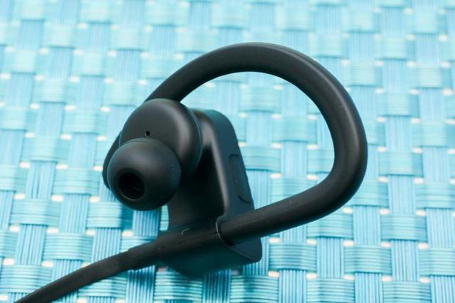 Powerbeats3_04.jpg