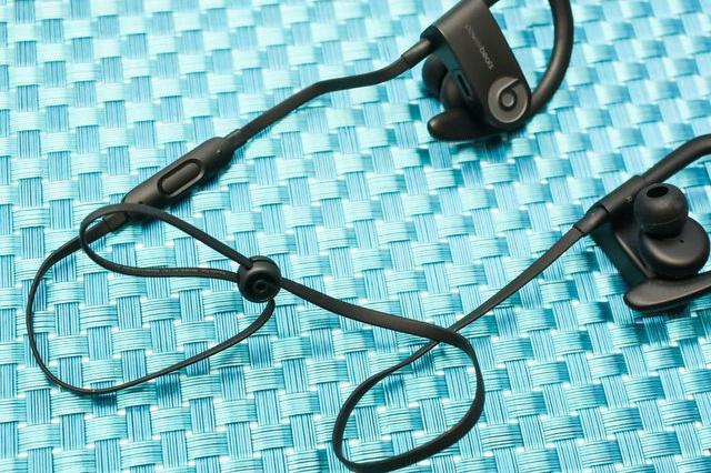 Powerbeats3_06.jpg