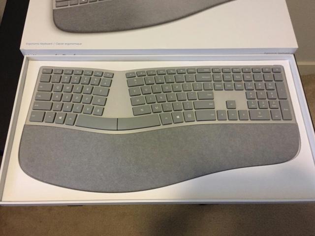 Surface_Ergonomic_Keyboard_03.jpg