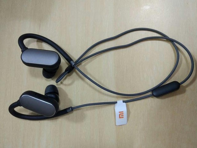 Xiaomi_Bluetooth_Earphones_05.jpg