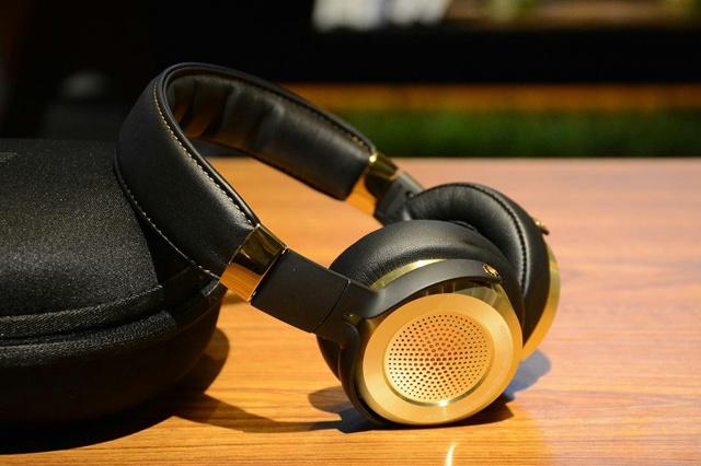 Xiaomi_Hi-Res_Headphones_02.jpg