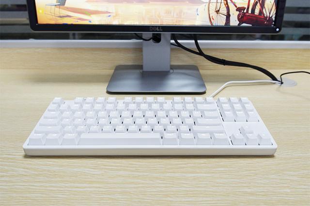 Yuemi_Mechanical_Keyboard_02.jpg