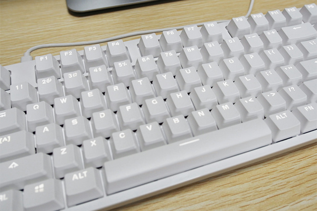 Yuemi_Mechanical_Keyboard_05.jpg
