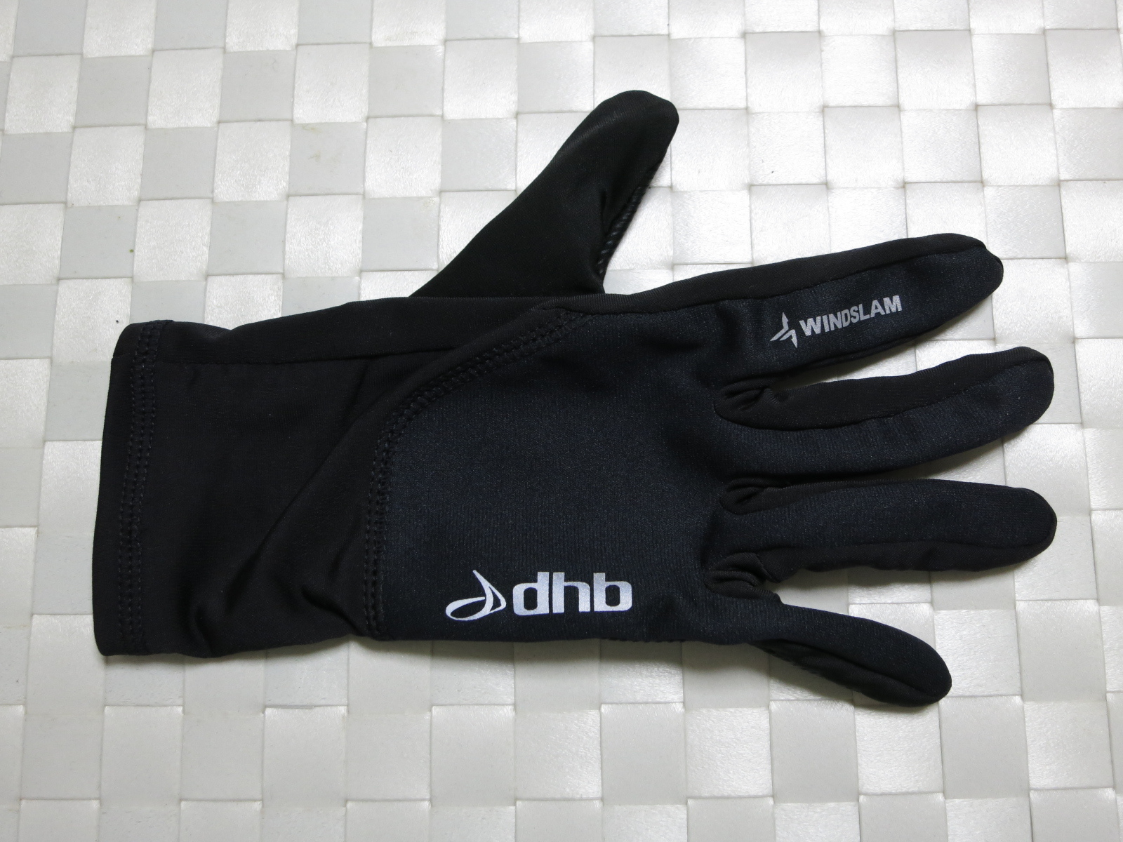 dhb_Windslam_Stretch_Glove_03.jpg