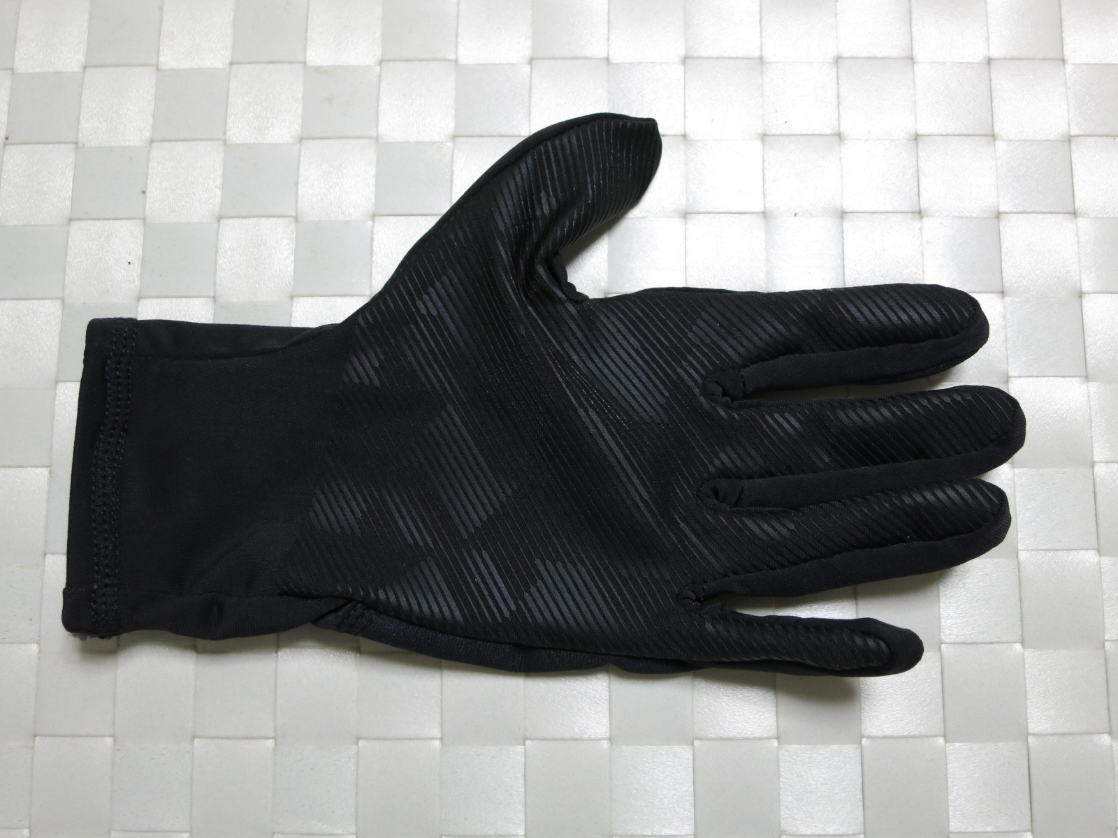 dhb_Windslam_Stretch_Glove_04.jpg