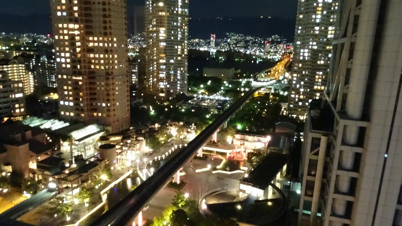 神戸シェラトン ホテル&タワーズからの夜景と居酒屋の夕食 (2016年10月)
