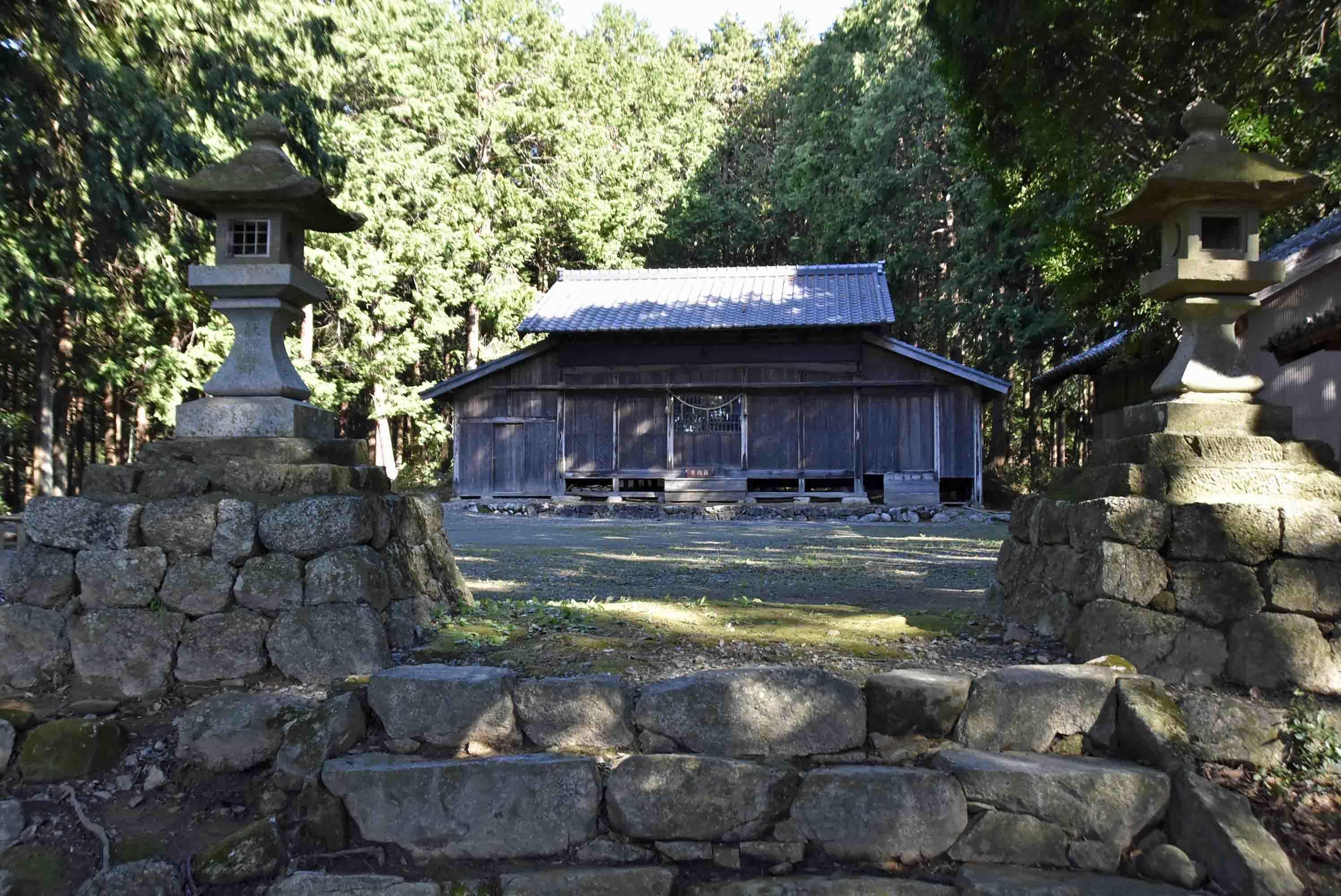 織田信忠陣地 神社2