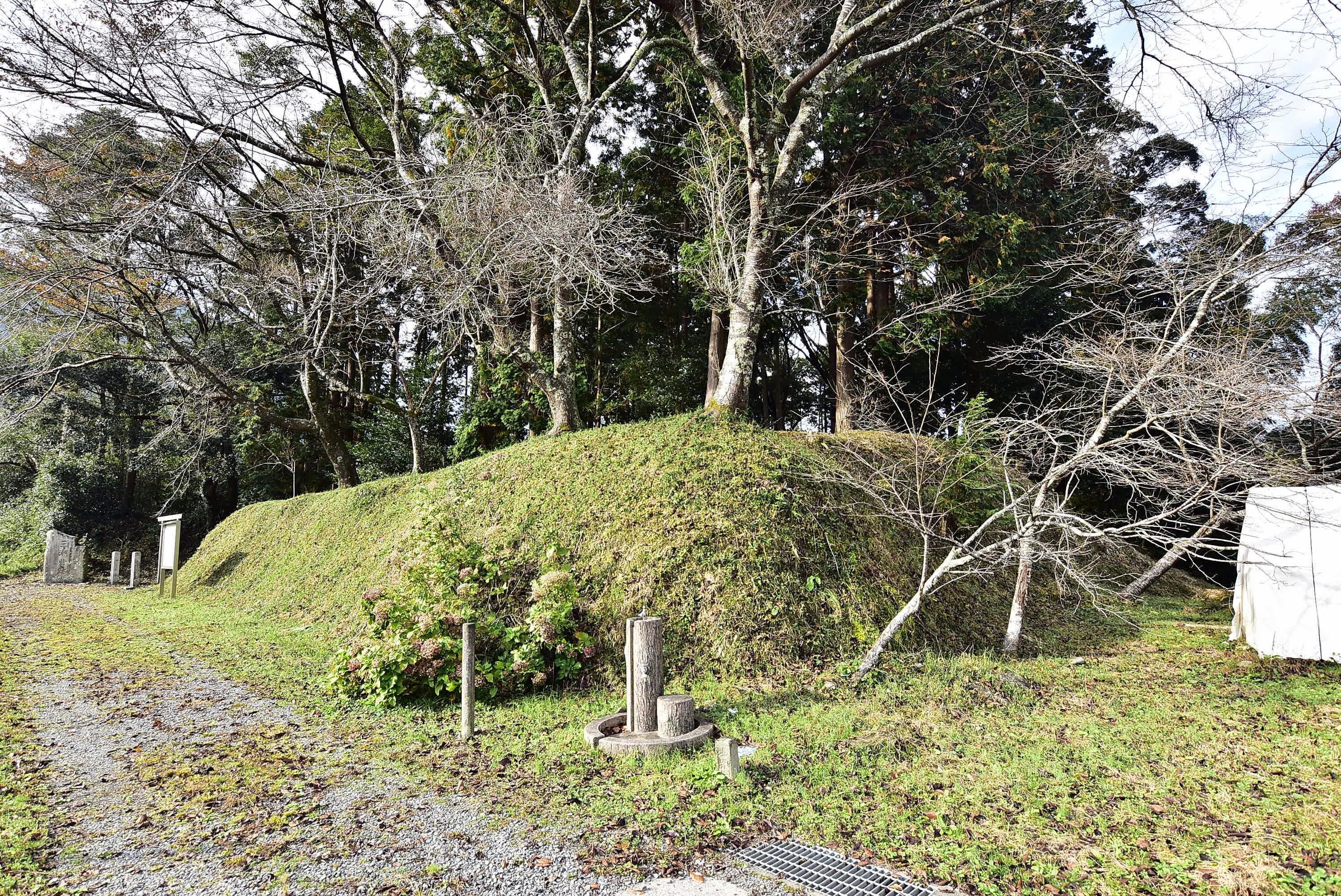 三瀬砦の土塁