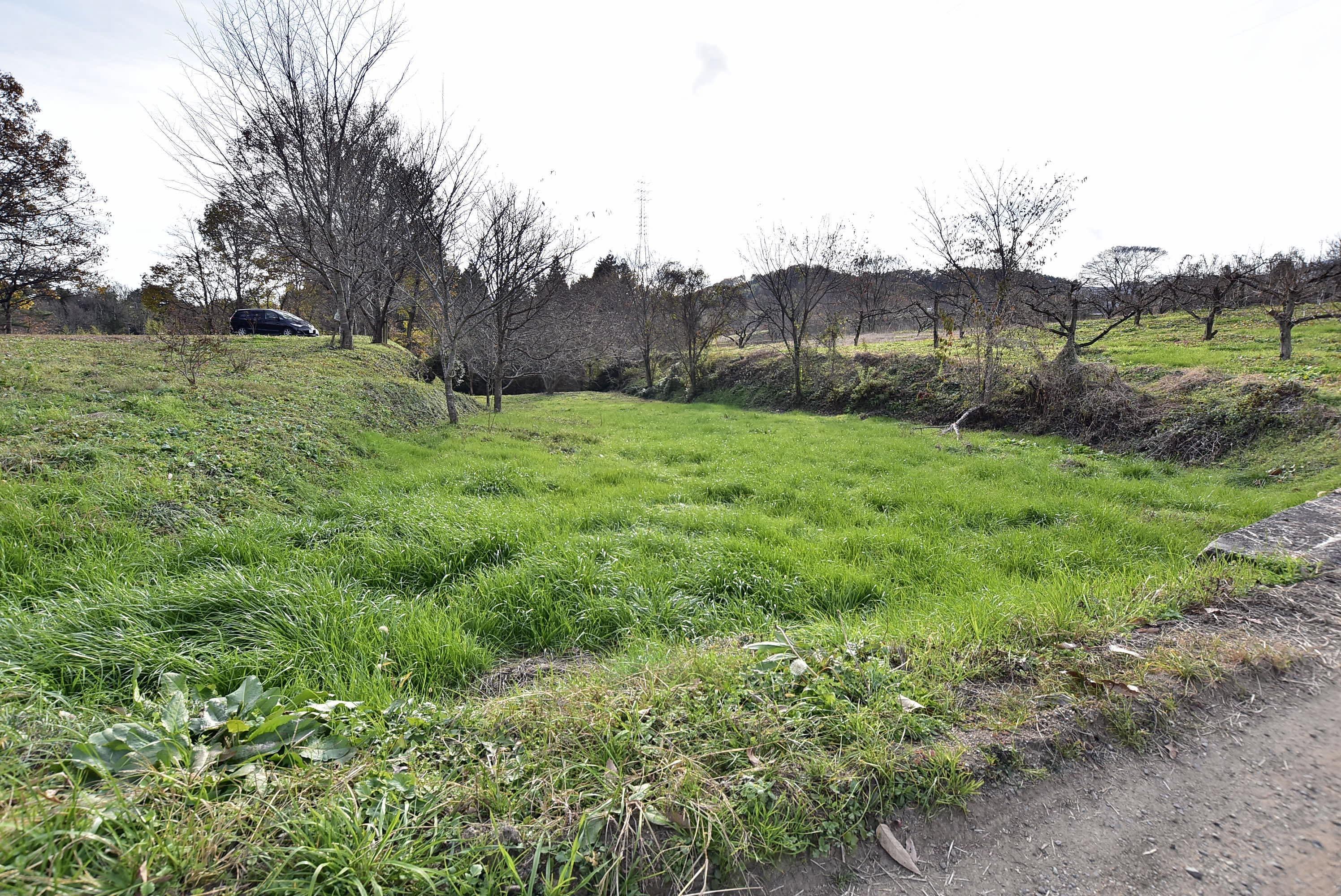 鈴岡城 外郭の堀